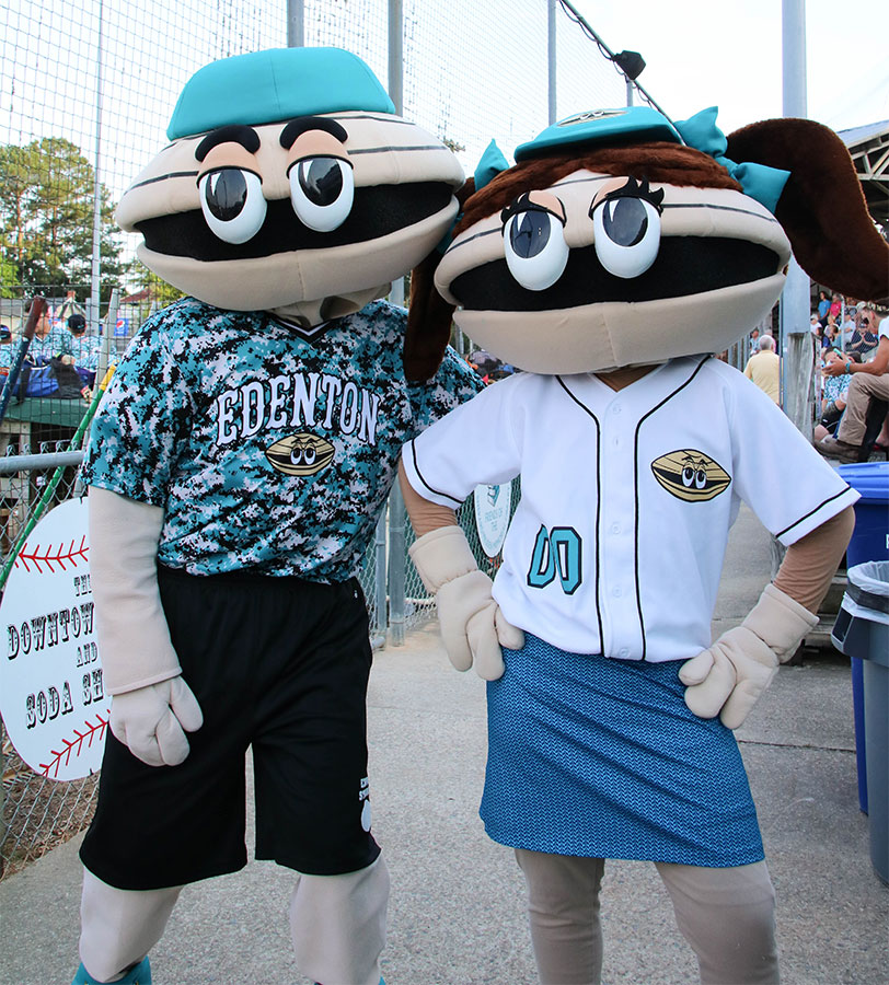 Mascots Sam and Pam the Clams