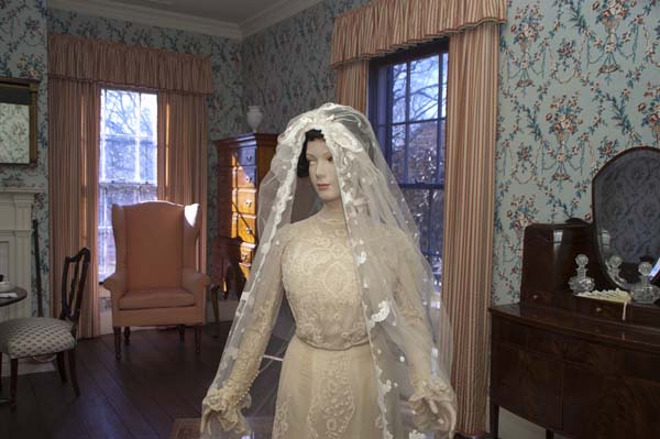 Mary-Lily-Kenans-wedding-dress