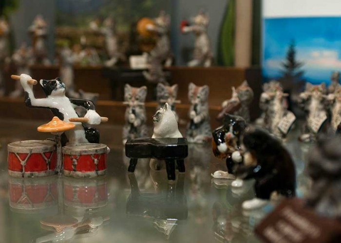 Cat Museum Boasts 5,000+ Feline Curiosities