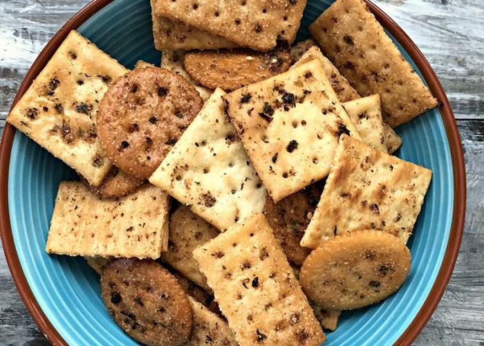 Savory Bay Crackers
