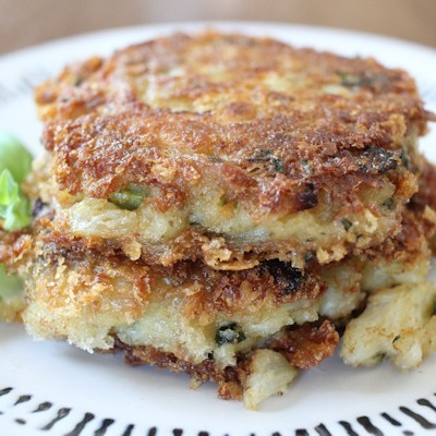 Crab Cakes with Fresh Basil and Thyme