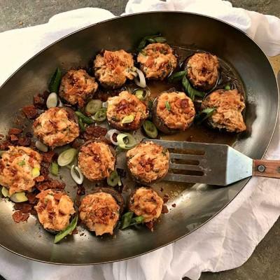 Crab Rangoon Stuffed Mushrooms