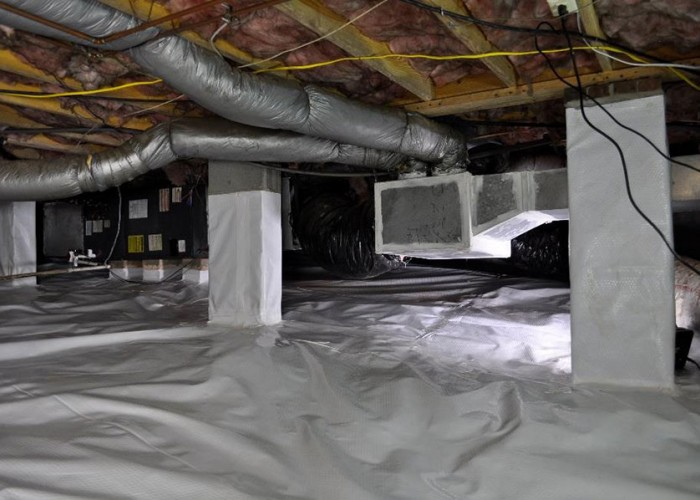How to Clean Up Your Crawl Space