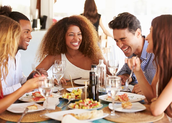 7 Tips to Dine Out, the Healthy Way