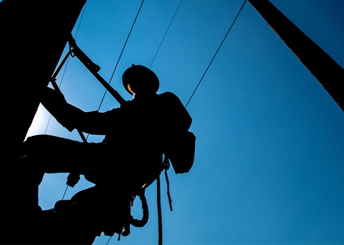 Scholarships Available to Lineworkers' Families
