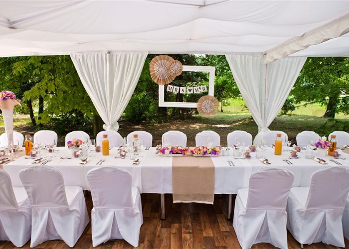 6 ideas to make outdoor weddings stylish and comfortable
