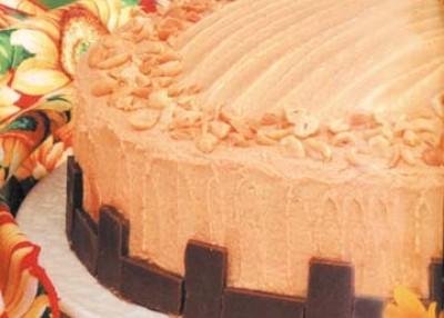 Peanut Butter Lover's Cake