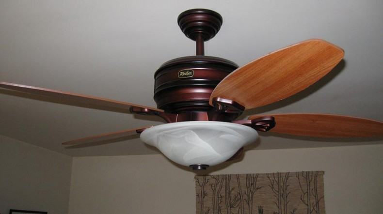 which way should ceiling fans rotate carolina country. Black Bedroom Furniture Sets. Home Design Ideas