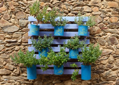 Garden Hack: Building with Wood Pallets