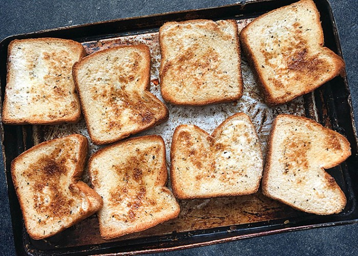 Crispy Ranch Garlic Toast