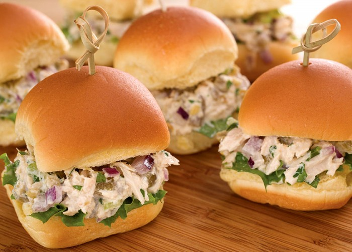 Tuna Sliders with Green Chilies