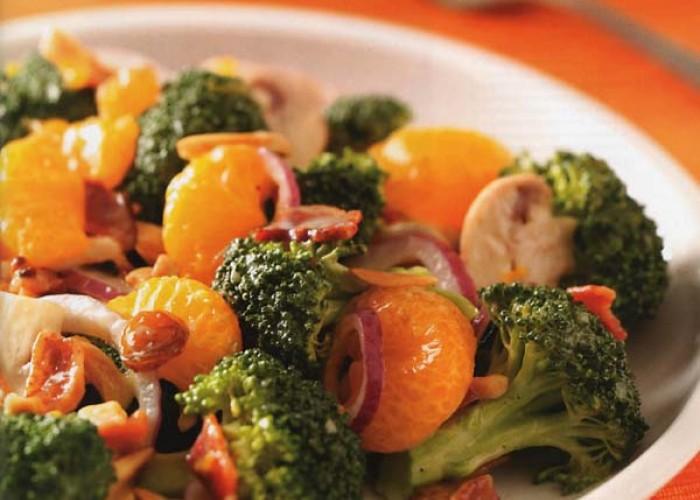 Fresh Broccoli and Mandarin Salad