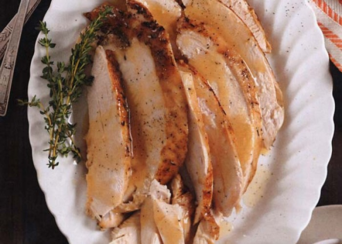Slow-Cooked Turkey Breast With Gravy